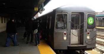 G train at 4th/9th subway station